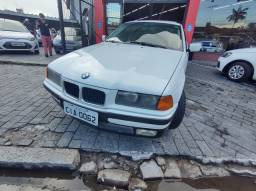 BMW 318 REGINO 2P 1995<br>TETO SOLAR<br>MANUAL<br>LINDA