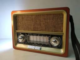 Rádio Antigo Retrô simples de Usar com Bluetooth Pen drive Lanterna R$150