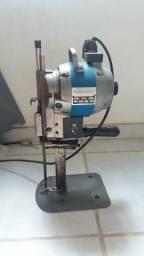Maquina de cortar tecido
