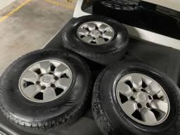 Peneus rodas caminhonete aro 255/7515 original Hilux