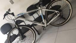 Bicicleta Oggi hacker tamanho 19 Aro 27,5