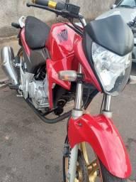 Título do anúncio: Vendo moto CB300 2015