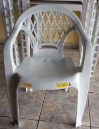 Cadeiras com braços (Somente Venda).