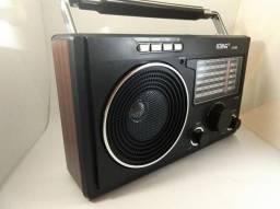 Rádio AM/FM/SW1- Entrada Pendrive Cartão de Memória LE-609