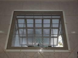 Tela antimosquito e anti-inseto para janela