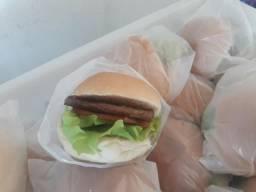Mini hambúrguer para festa
