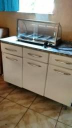 Estufa e balcão de cozinha de ferro