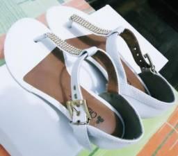 Sandália Branca Nova