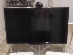 Vendo TV LED 32 AOC com controle e suporte para fixar na parede