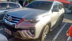 TOYOTA HILUX SW4 2017/2017 2.8 SRX 4X4 7 LUGARES 16V TURBO INTERCOOLER DIESEL 4P AUTOMATIC - 2017
