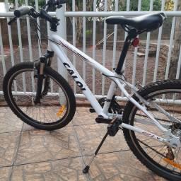 Bicicleta Caloi Wild - Aro 24 - Freio V-Brake - Câmbio Traseiro Shimano - 21 Marchas