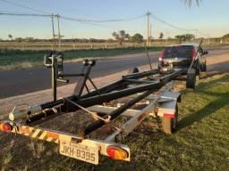 Carreta rebaixada para usar em rancho para barco até 6mt