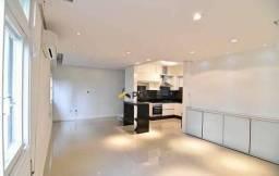 Apartamento semimobiliado com 02 dormitórios no bairro Moinhos de Vento