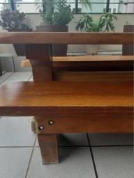 Mesa em garapeira