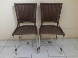 2 cadeiras zeradas de fibra e alumínio