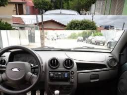 Ford Ka 1.0 Flex 3p - 2011