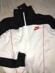 Casaco Nike nunca usado R$120