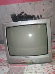 VENDO ESSA TV INTERRESSSADOS CHAMAR NO ZAP *