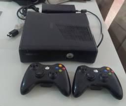 Xbox 360 2 manetes destravados 3.0 joga xboxlive 20 jogos