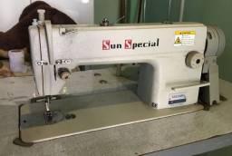 Máquina industrial costura reta
