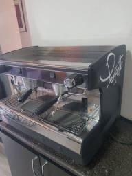 Título do anúncio: Máquina de café expresso e moinho profissional