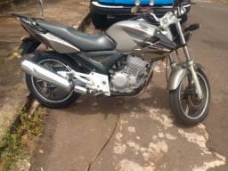 Vendo moto Twister