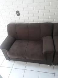 Vendo sofá de 2 e 3 lugares. Super conservado.