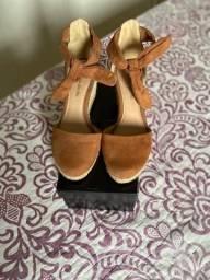 Título do anúncio: Sapatos Tamanho 34