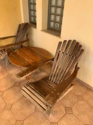 Mesa de centro com 4 cadeiras