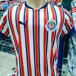 Camisetas de time brasileiro e europeus