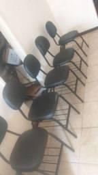 Título do anúncio: Cadeiras fixas em courino