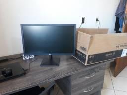 Monitor LG 21,5 LED FULLHD semi novo