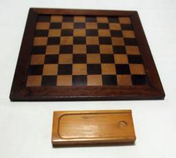 Jogo de Damas antigo em madeira com estojo !