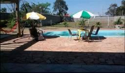Casa com piscina, aquecedor e churrasqueira