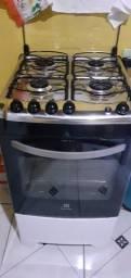 Fogão Electrolux 4 bocas acendimento automático forno autolimpante