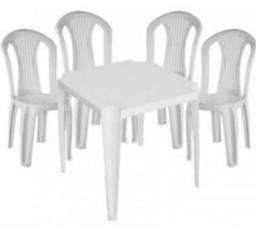 Jogo de mesas de plástico  USADAS