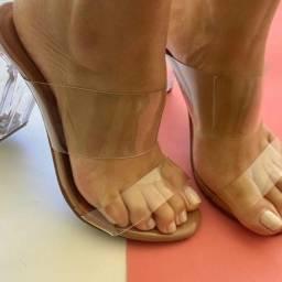 Sapatos e sandálias ???