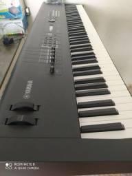 Teclado Yamaha MX88 (preto)