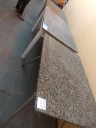 Mesas sem cadeira..medidas 140X80 valor só R$230 cada uma