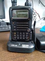 Título do anúncio: Radio yaesu vx-7r com carregador novo e bateria nova