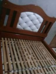 cama casal  madeira de lei