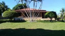 Sitio com Piscina Em Aria Verde