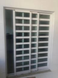 Porta de alumínio com vidros verdes 3folhas