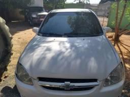 Corsa Sedan R$ 10.000 + Detran - 2011