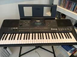 Teclado Yamaha PSR E-453 R$ 1.500,00
