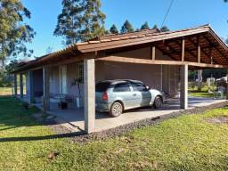 Velleda aluga sítio de 1 hectare, plano, com belíssima casa, confira!