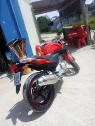 Vendo moto cb 300 vermelho - 2010