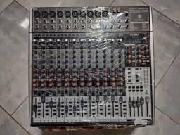 Mesa Som Mixer Behringer Xenyx X2442USB