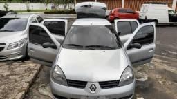 Lindo Clio 2006 Prata - 2006