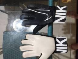 Luva Goleiro - Nike GK Match